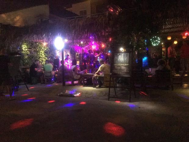 Phát hiện 18 người nước ngoài dương tính với ma túy trong quán bar ở Đà Nẵng - Ảnh 1.