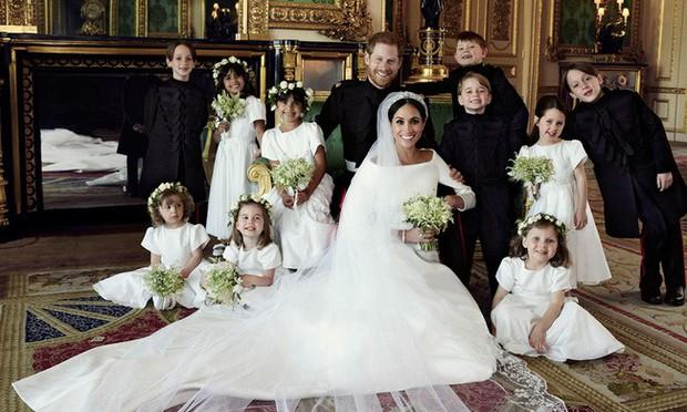 Bí mật tinh tế phía sau váy cưới của Meghan Markle lại khiến người ta nhớ đến công nương Diana và Kate Middleton - Ảnh 3.