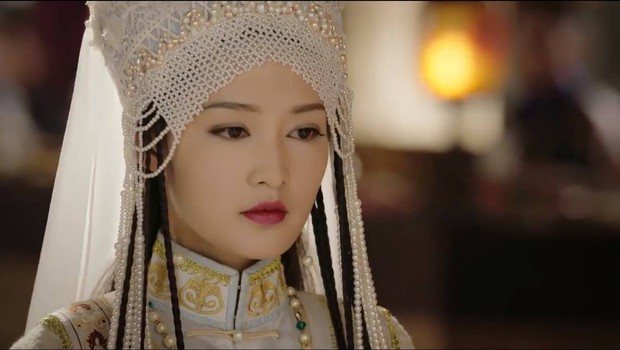 Dĩnh Phi thẳng thắn can gián Càn Long, cả hậu cung quỳ dưới mưa đồng loạt phản đối nạp Hàn Hương vào hậu cung - Ảnh 3.