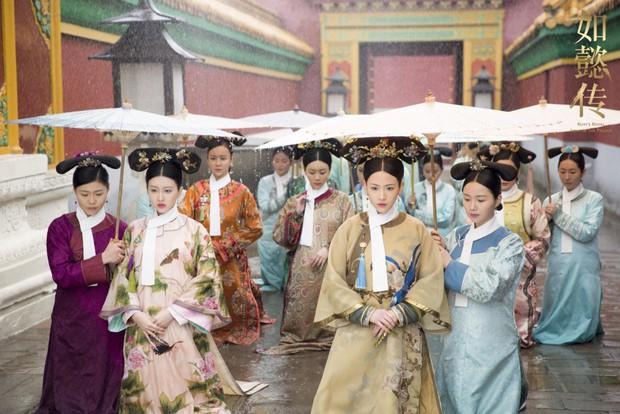 Dĩnh Phi thẳng thắn can gián Càn Long, cả hậu cung quỳ dưới mưa đồng loạt phản đối nạp Hàn Hương vào hậu cung - Ảnh 4.