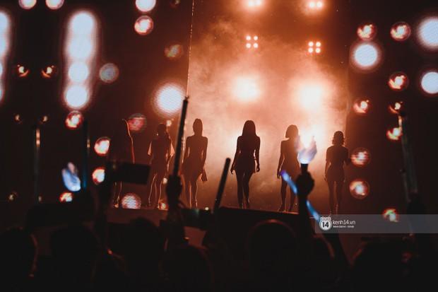 Khoảnh khắc đẹp của dàn sao Việt-Hàn trong show diễn đêm qua khiến khán giả bùng nổ - Ảnh 33.