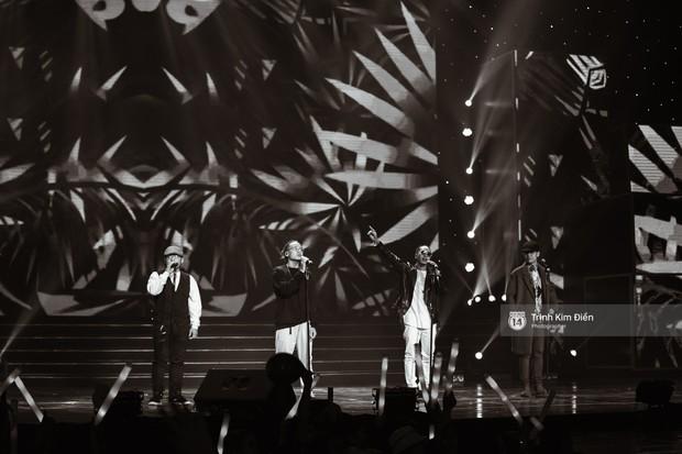 Khoảnh khắc đẹp của dàn sao Việt-Hàn trong show diễn đêm qua khiến khán giả bùng nổ - Ảnh 1.