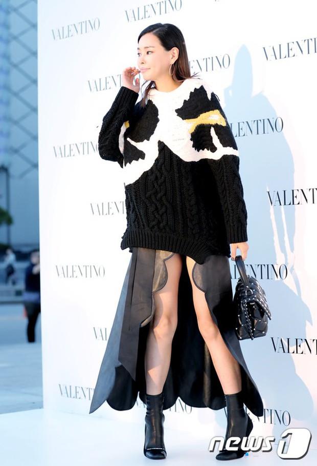 Lộ diện chính thức sau khi cưới Taeyang, Min Hyo Rin đẹp và béo ra trông thấy nhưng sao lại không đeo nhẫn cưới? - Ảnh 10.