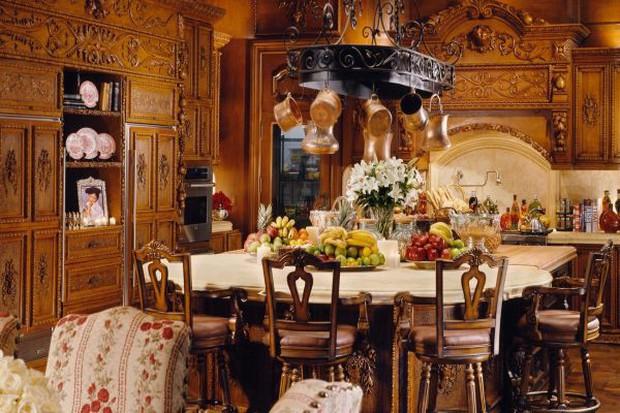 Loạt cung điện khổng lồ gây choáng ngợp của các ông vua bà hoàng Hollywood: Biệt thự cuối từng giữ ngôi đắt nhất nước Mỹ! - Ảnh 20.