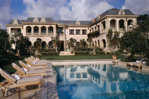 Loạt cung điện khổng lồ gây choáng ngợp của các ông vua bà hoàng Hollywood: Biệt thự cuối từng giữ ngôi đắt nhất nước Mỹ! - Ảnh 23.