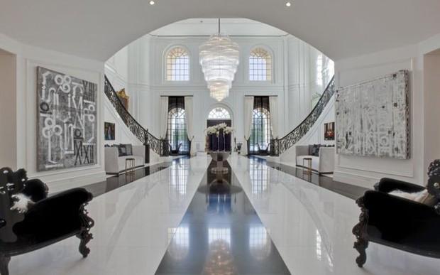 Loạt cung điện khổng lồ gây choáng ngợp của các ông vua bà hoàng Hollywood: Biệt thự cuối từng giữ ngôi đắt nhất nước Mỹ! - Ảnh 31.