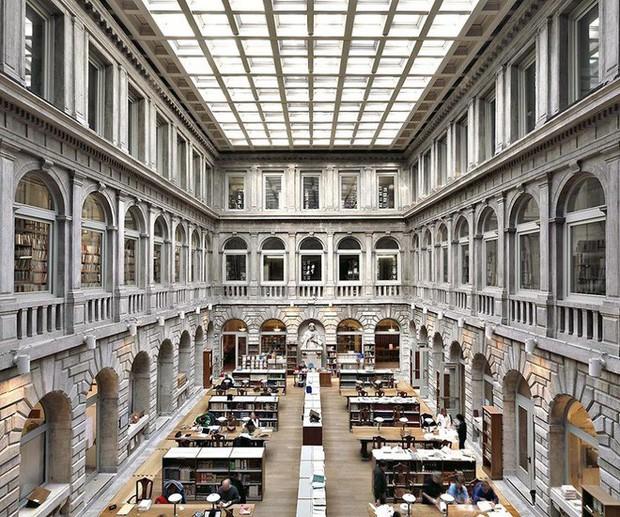 Nhiếp ảnh gia người Ý thực hiện cuộc hành trình đi tìm thư viện đẹp nhất thế giới, và đây là những gì anh ấy ghi lại được - Ảnh 12.
