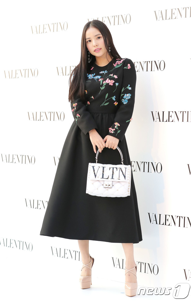 Lộ diện chính thức sau khi cưới Taeyang, Min Hyo Rin đẹp và béo ra trông thấy nhưng sao lại không đeo nhẫn cưới? - Ảnh 5.