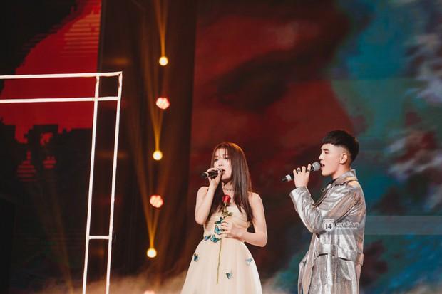 Khoảnh khắc đẹp của dàn sao Việt-Hàn trong show diễn đêm qua khiến khán giả bùng nổ - Ảnh 14.
