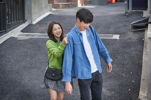 Không đụng đối thủ lớn, phim của Park Bo Young vững vàng hạng 1 phòng vé - Ảnh 3.
