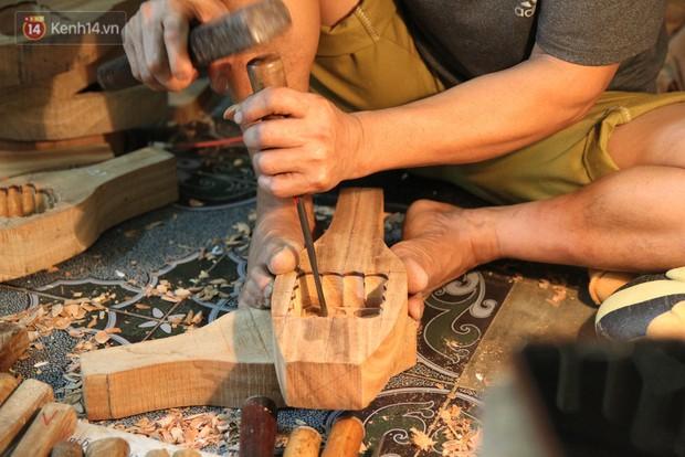 Ghé thăm người đàn ông 35 năm đẽo đục khuôn bánh Trung thu ở Hà Nội: Một khuôn gỗ đắt nhất giá 5 triệu - Ảnh 8.