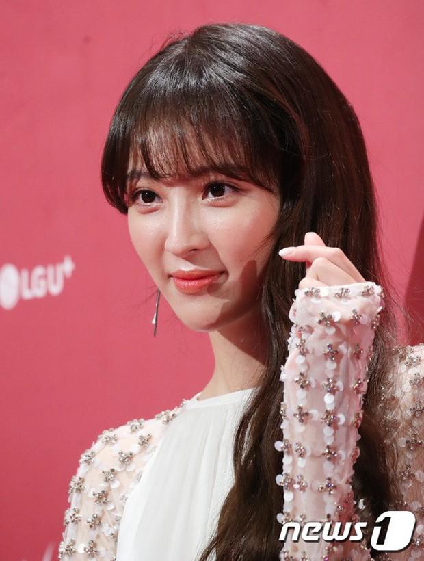 Thảm đỏ Seoul Drama Awards: Park Seo Joon xuất sắc nhưng thiếu Park Min Young, Sooyoung đọ sắc chị đại Lee Bo Young - Ảnh 22.