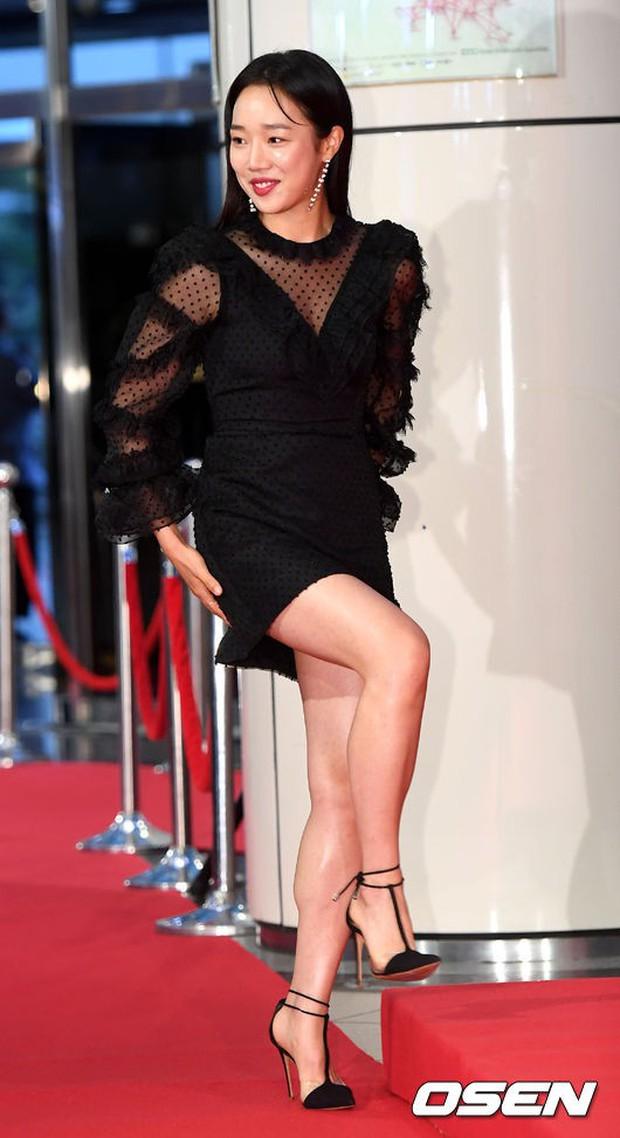 Thảm đỏ Seoul Drama Awards: Park Seo Joon xuất sắc nhưng thiếu Park Min Young, Sooyoung đọ sắc chị đại Lee Bo Young - Ảnh 26.