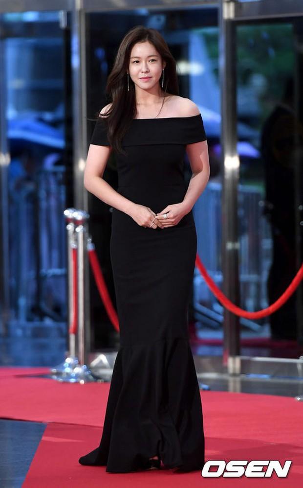 Thảm đỏ Seoul Drama Awards: Park Seo Joon xuất sắc nhưng thiếu Park Min Young, Sooyoung đọ sắc chị đại Lee Bo Young - Ảnh 28.