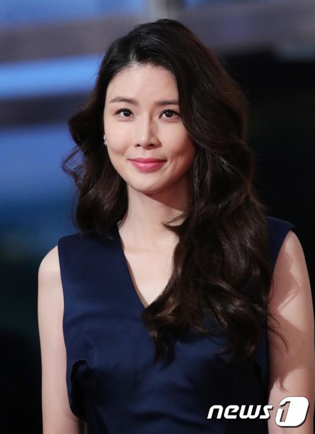 Thảm đỏ Seoul Drama Awards: Park Seo Joon xuất sắc nhưng thiếu Park Min Young, Sooyoung đọ sắc chị đại Lee Bo Young - Ảnh 17.