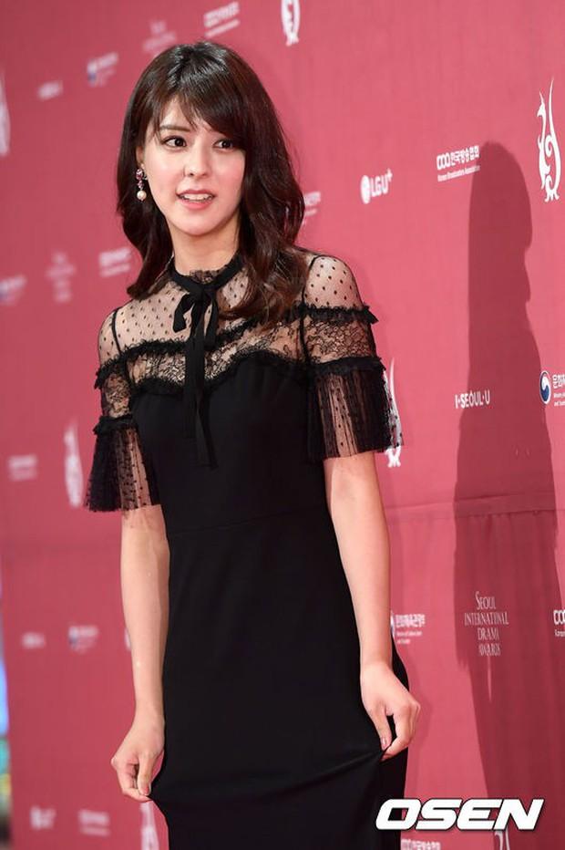 Thảm đỏ Seoul Drama Awards: Park Seo Joon xuất sắc nhưng thiếu Park Min Young, Sooyoung đọ sắc chị đại Lee Bo Young - Ảnh 31.