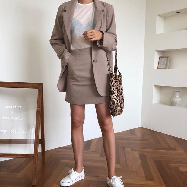 15 cách biến hóa với áo blazer chuẩn thời thượng mà các nàng sẽ muốn diện suốt cả mùa Thu/Đông này - Ảnh 5.