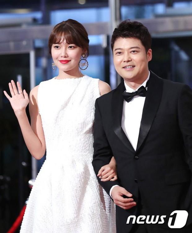 Thảm đỏ Seoul Drama Awards: Park Seo Joon xuất sắc nhưng thiếu Park Min Young, Sooyoung đọ sắc chị đại Lee Bo Young - Ảnh 10.