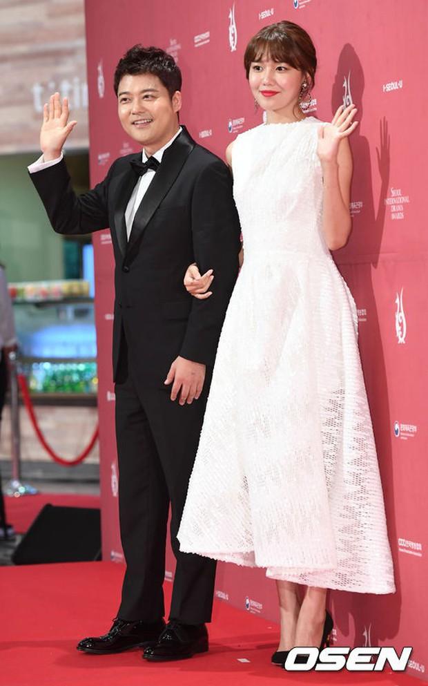 Thảm đỏ Seoul Drama Awards: Park Seo Joon xuất sắc nhưng thiếu Park Min Young, Sooyoung đọ sắc chị đại Lee Bo Young - Ảnh 11.