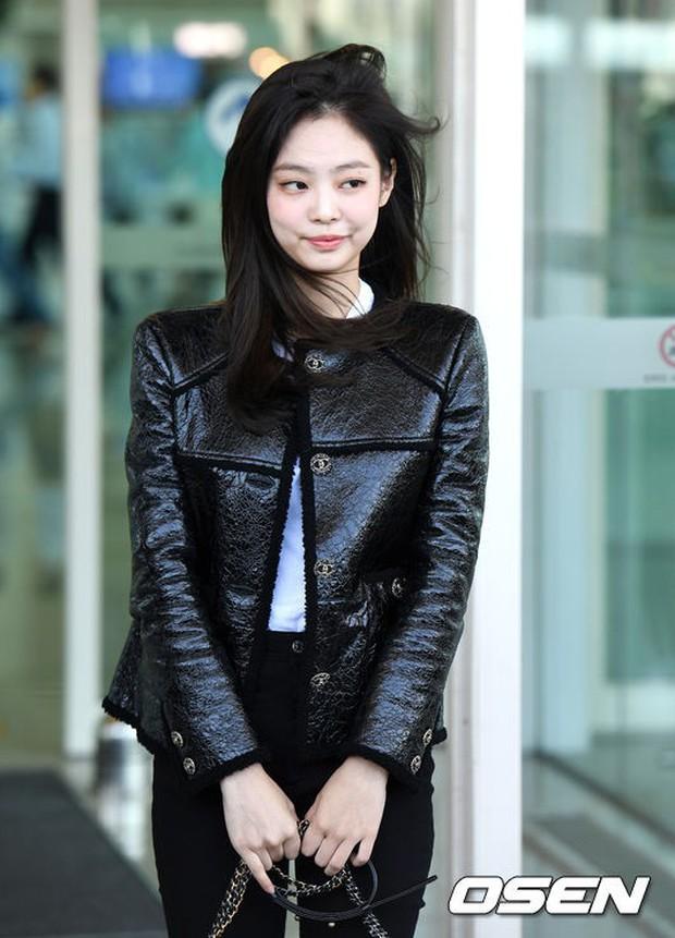 Đẳng cấp như Jennie (Black Pink) ra sân bay: Đơn giản nhưng vẫn đẹp hoàn hảo, sang chảnh như dự sự kiện - Ảnh 12.