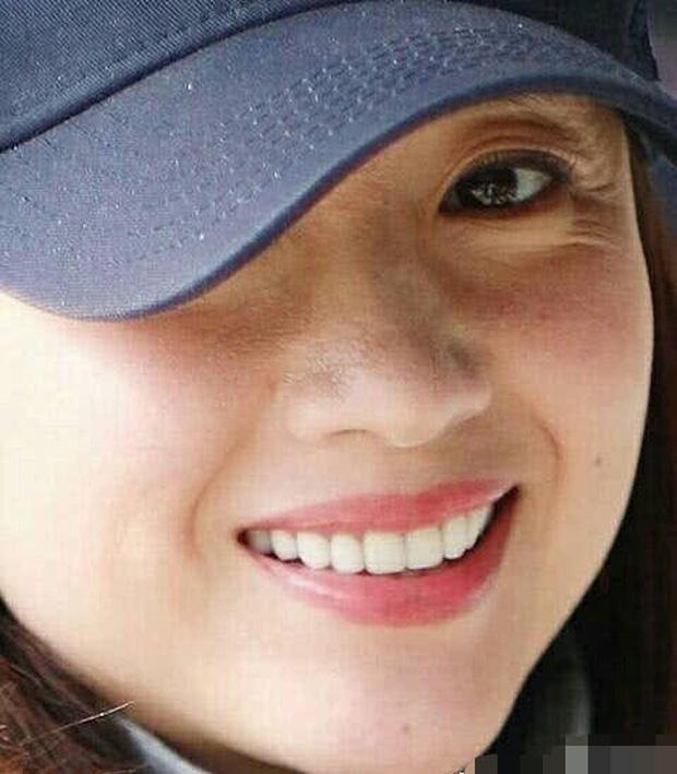 Choáng với nhan sắc thật sự tuổi 38 của Hoàng hậu Đổng Khiết: Da chảy xệ, gương mặt toàn nếp nhăn - Ảnh 10.
