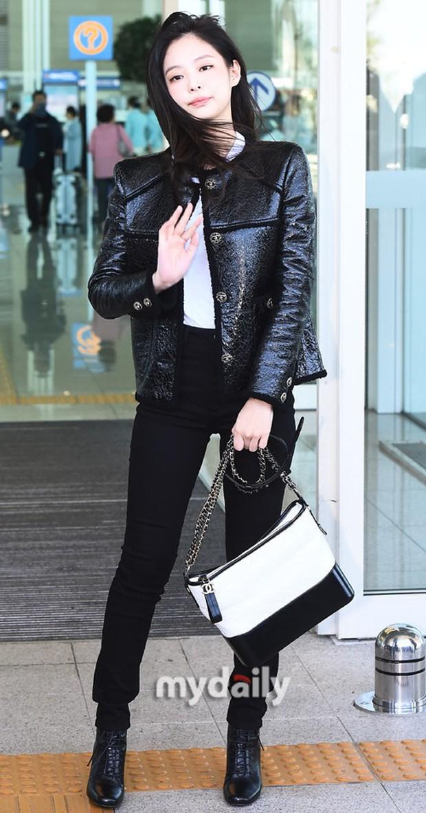 Đẳng cấp như Jennie (Black Pink) ra sân bay: Đơn giản nhưng vẫn đẹp hoàn hảo, sang chảnh như dự sự kiện - Ảnh 6.