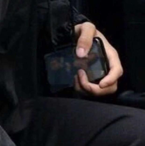 Thực hư về bức ảnh Justin Bieber vẫn lưu hình Selena Gomez trong điện thoại dù sắp cưới Hailey - Ảnh 2.