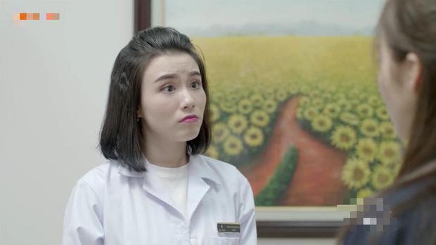 Khả Ngân bị xé váy trong Hậu Duệ Mặt Trời bản Việt ngay lần hẹn đầu tiên - Ảnh 10.