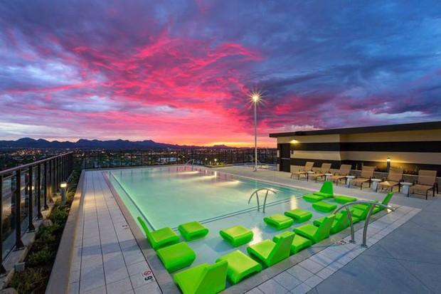 Ký túc xá nước nhà người ta: Xịn như khách sạn 5 sao, có đầy đủ sân thượng, bể bơi, giá thuê lên đến 17 triệu/tháng - Ảnh 8.
