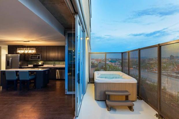 Ký túc xá nước nhà người ta: Xịn như khách sạn 5 sao, có đầy đủ sân thượng, bể bơi, giá thuê lên đến 17 triệu/tháng - Ảnh 3.