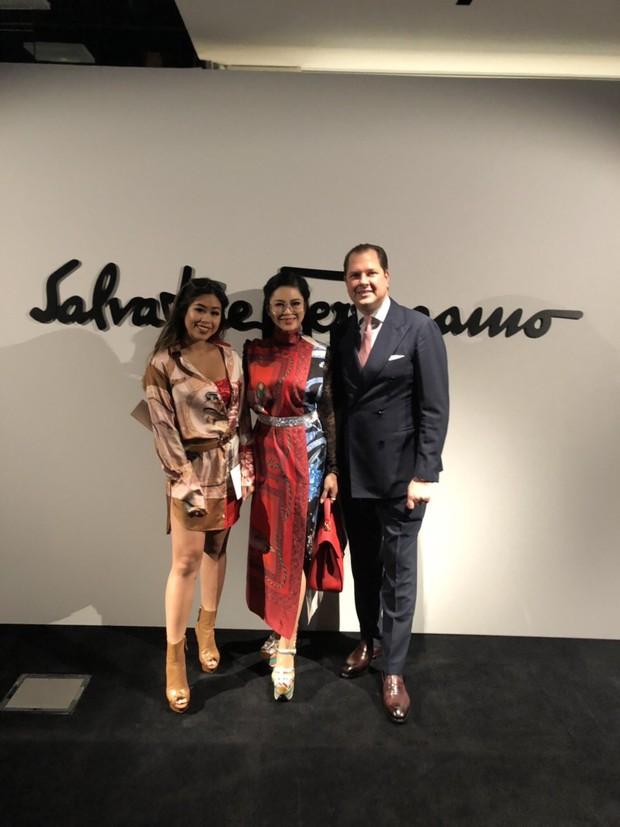 Mẹ chồng và em chồng Hà Tăng hẳn là những người chạy show gắt nhất Milan Fashion Week mùa này - Ảnh 3.