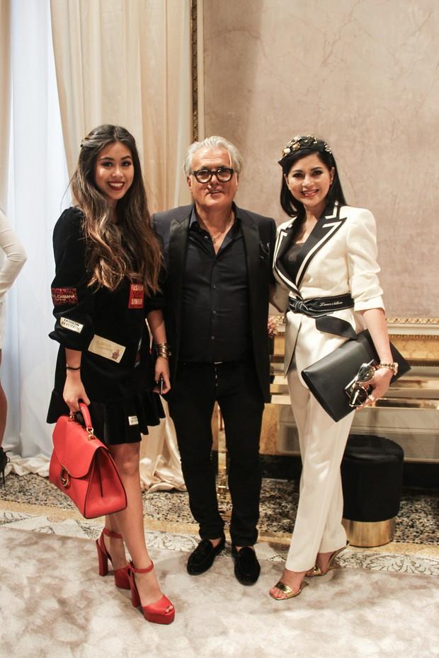 Mẹ chồng và em chồng Hà Tăng hẳn là những người chạy show gắt nhất Milan Fashion Week mùa này - Ảnh 4.