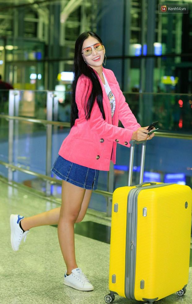 Hoa hậu Tiểu Vy rạng rỡ tại sân bay trước khi lên đường sang Paris dự sự kiện ra mắt ô tô VINFAST - Ảnh 2.