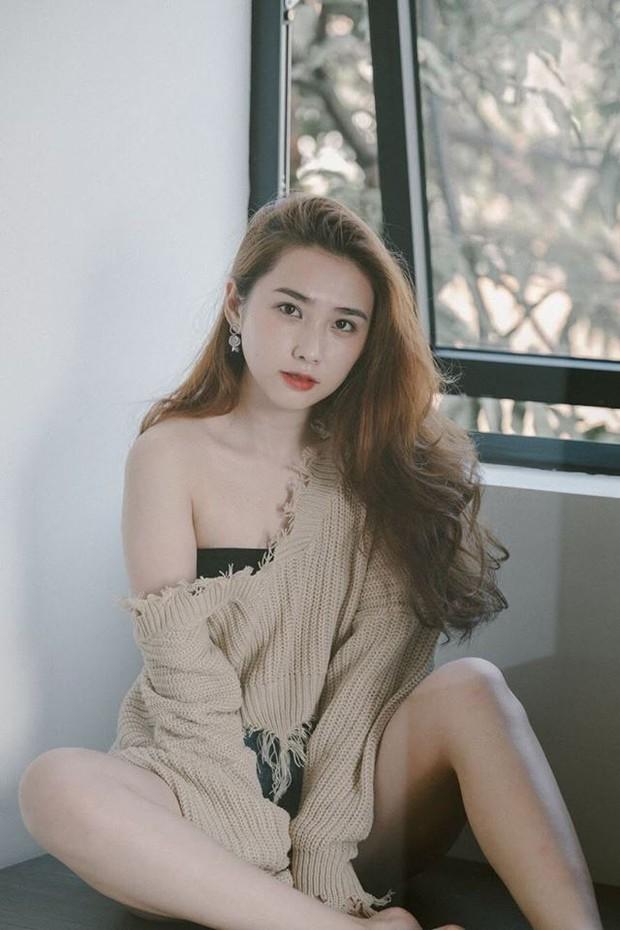 Không chịu thua kém Bùi Tiến Dũng, Hà Đức Chinh cũng đã có bạn gái xinh đẹp và nóng bỏng? - Ảnh 2.