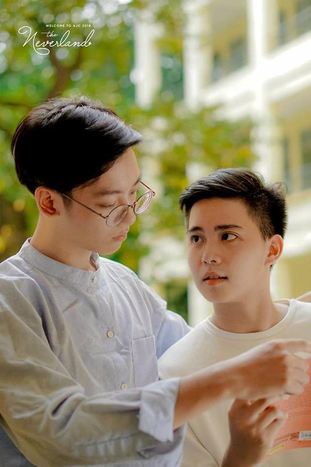 Gửi thanh xuân năm ấy: Bộ ảnh của 2 sinh viên trường Báo khiến dân mạng rung rinh vì quá dễ thương - Ảnh 2.