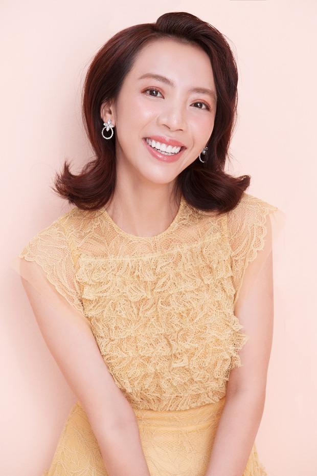 Thập Tam Muội Thu Trang bất ngờ nữ tính, trở thành Hoàng hậu trong phim cung đấu xuyên không - Ảnh 2.