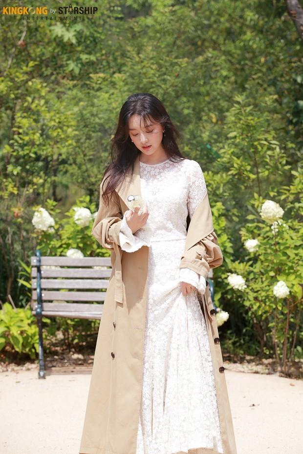 Náo loạn trước bộ ảnh hậu trường của mỹ nhân Hậu duệ mặt trời Kim Ji Won: Khi nhan sắc vượt cả chuẩn nữ thần - Ảnh 9.