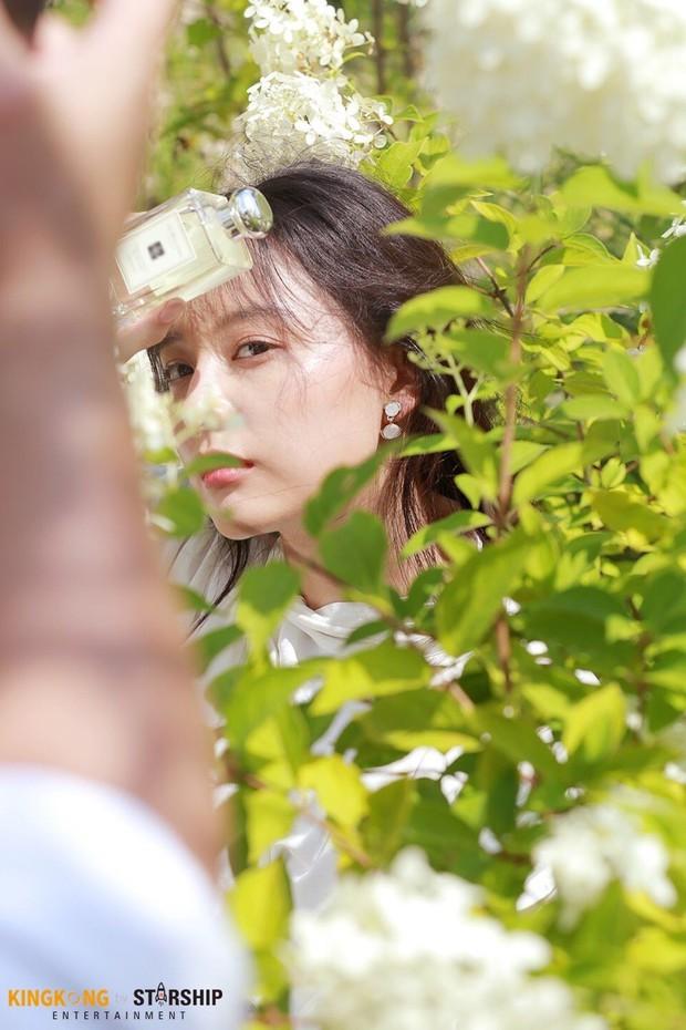 Náo loạn trước bộ ảnh hậu trường của mỹ nhân Hậu duệ mặt trời Kim Ji Won: Khi nhan sắc vượt cả chuẩn nữ thần - Ảnh 7.