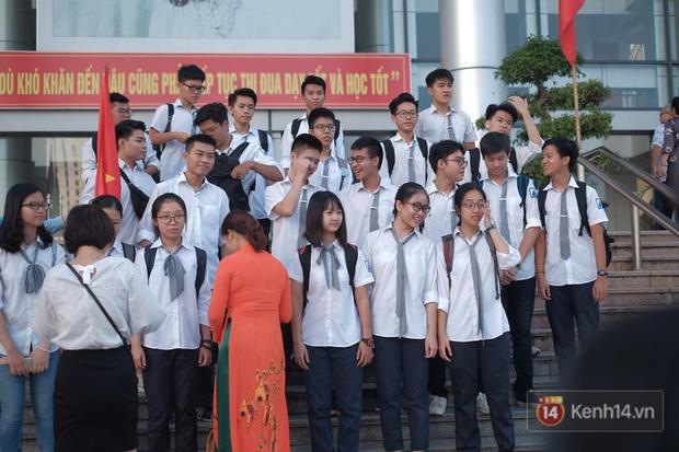Toàn cảnh lễ khai giảng của 22 triệu học sinh trên toàn quốc - Ảnh 21.