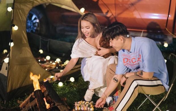 """Châu Bùi - Decao hôn nhau dưới mưa trong """"Thanh Xuân"""" của Da LAB - Ảnh 4."""