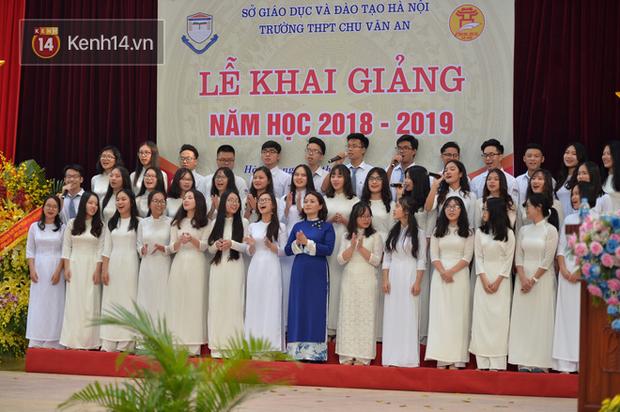 Toàn cảnh lễ khai giảng của 22 triệu học sinh trên toàn quốc - Ảnh 32.