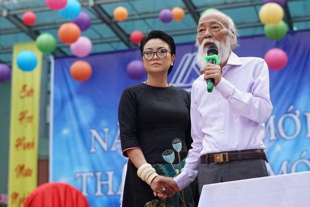 Sau hơn 3 năm, bài phát biểu đầy cảm động của thầy Văn Như Cương trong lễ khai giảng lại được dân mạng chia sẻ rầm rộ - Ảnh 6.