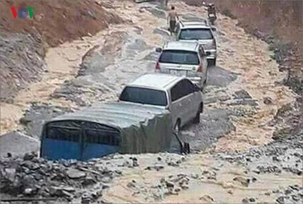 Xót xa những hình ảnh tan hoang sau mưa lũ tại miền Bắc - Ảnh 10.