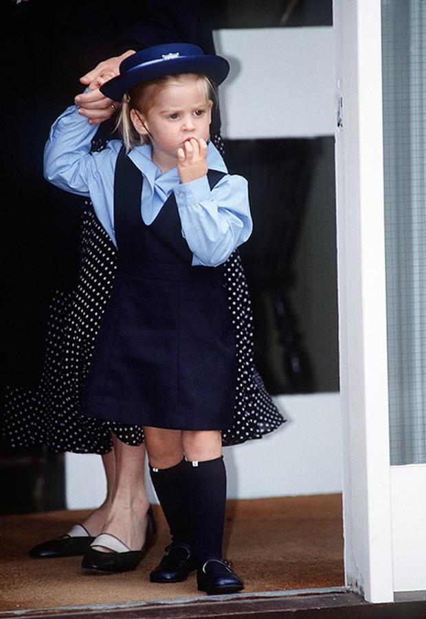 Loạt ảnh ngày đầu tiên đi học siêu đáng yêu của các công chúa, hoàng tử nhí trên thế giới - Ảnh 9.