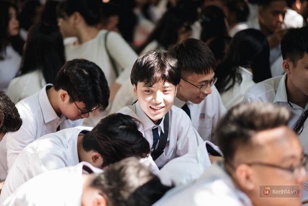 Clip: Những hình ảnh trong trẻo của ngày khai giảng khiến ai cũng nhớ lại năm tháng hồn nhiên của tuổi học trò - Ảnh 1.