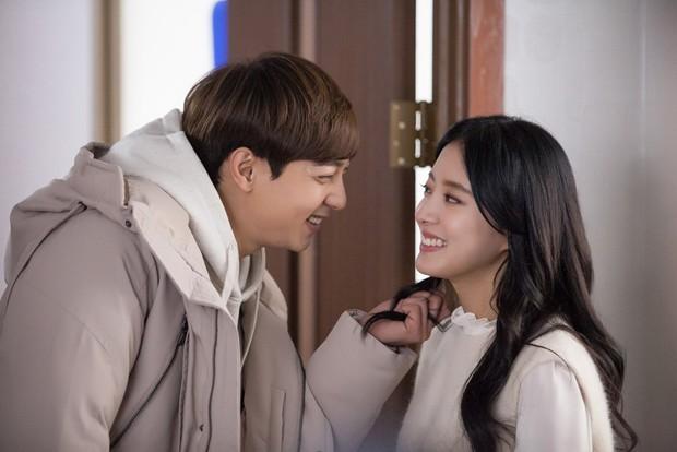 5 cặp đôi màn ảnh Hàn khiến công chúng ngỡ ngàng nhất khi xác nhận hẹn hò - Ảnh 7.