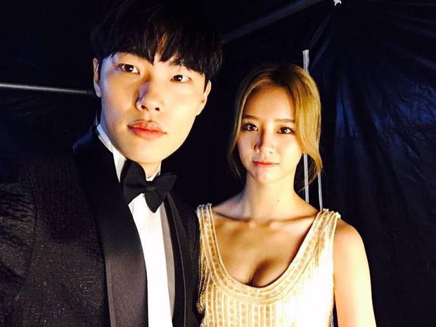 5 cặp đôi màn ảnh Hàn khiến công chúng ngỡ ngàng nhất khi xác nhận hẹn hò - Ảnh 14.