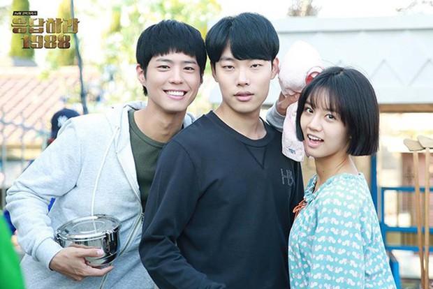5 cặp đôi màn ảnh Hàn khiến công chúng ngỡ ngàng nhất khi xác nhận hẹn hò - Ảnh 13.