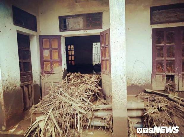 Mưa lũ, sạt lở kinh hoàng ở Thanh Hoá: Hàng nghìn dân Mường Lát thiếu lương thực - Ảnh 2.