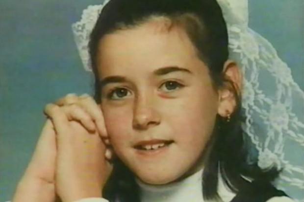 """Sau 5 năm mất tích, cô gái bất ngờ xuất hiện trên phiên tòa """"rửa oan"""" cho kẻ sát nhân hàng loạt đã nhận tội giết mình - Ảnh 1."""